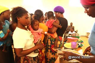 栄養管理プログラムに参加する親子