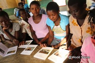 読書キャンプに参加する子どもたち