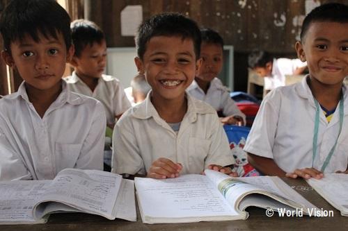 カンボジア 子どもたちの様子