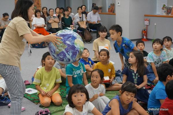ワールド・ビジョンのサマースクールに参加する日本の子どもたち
