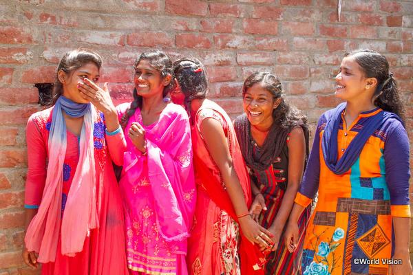 開発途上国の女性の笑顔