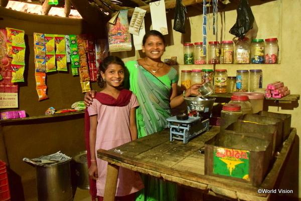 仕事をする南アジアの子ども