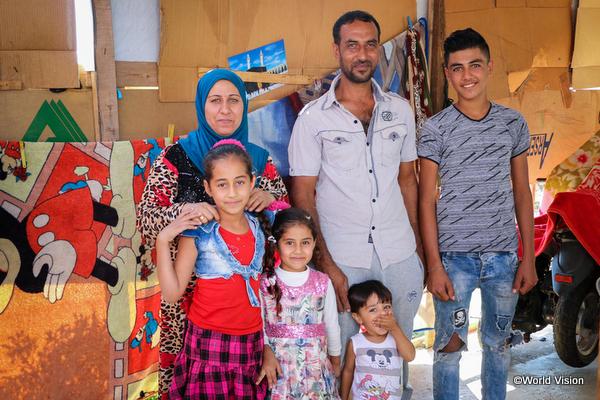 中東シリア難民の子どもたち