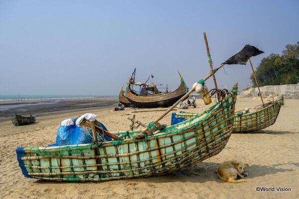 ロヒンギャ難民を多く受け入れている難民キャンプのある、バングラデシュ・コックスバザールのビーチ