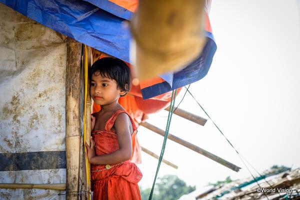 ロヒンギャ難民の少女