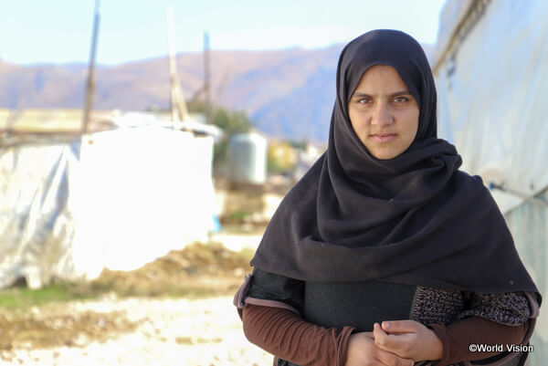 レバノンに避難しているシリア難民の少女