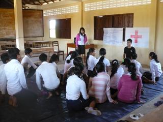 人身取引について子どもたちに啓発活動を実施(2012年)