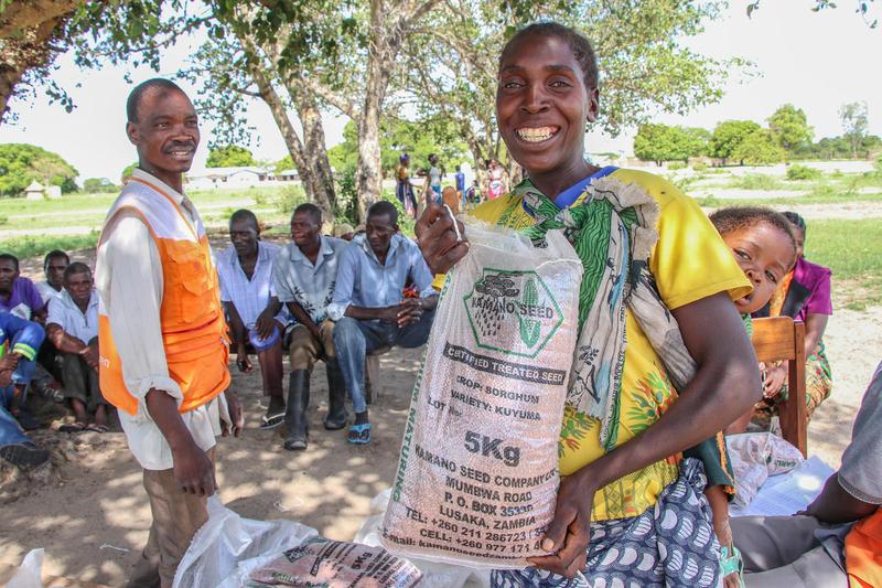 ワールド・ビジョンによる食糧支援の様子