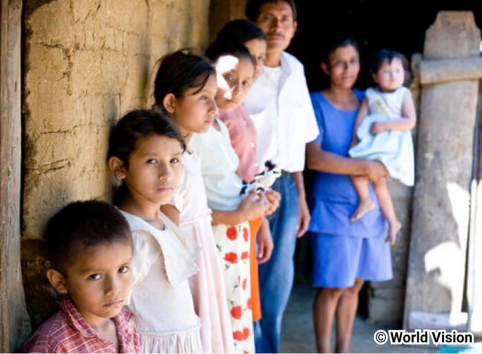 相対的貧困とは?絶対的貧困との違いや相対的貧困率についても学ぼう ...