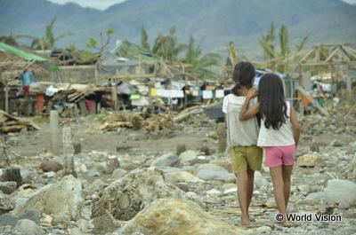 2013年11月、巨大台風に襲われたフィリピン