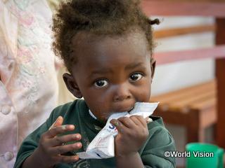 食糧支援を受けた子ども
