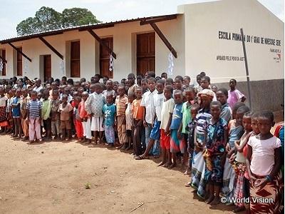 相続財産によるご寄付で完成した学校写真