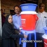 3,000円でバングラデシュの妊産婦、乳幼児のいる3家庭に手洗い機を支援できます