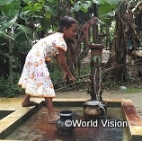 30,000円でバングラデシュのコミュニティできれいな水を得るための浅井戸1基を支援できます