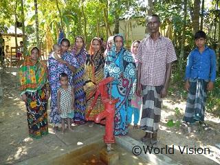 バングラデシュのコミュニティ・リーダーの男性