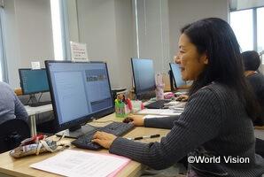 事務所では、チャイルドの手紙などを翻訳していただいています