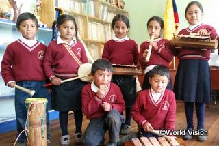【プンガラ地域】「別の学校の友だちと一緒に集まって、安心して楽器の演奏を学べる場所があるので嬉しいです。怖かったり、恥ずかしがったりせずに過ごせます。」 グロリアちゃん(8歳)