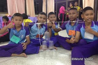 【トゥンワ地域】「算数キャンプに参加して、計算力がつきました。学校でも良い点が取れるようになりました。」 アンダマン君(12歳)