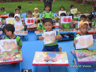 地域の幼稚園で学ぶ子どもたち