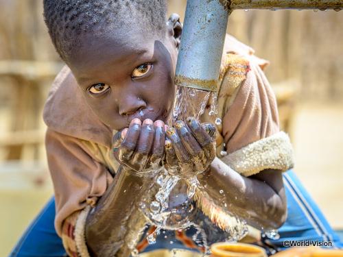 南スーダンの難民キャンプで暮らす少年