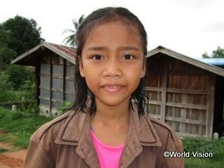 タイのタプラヤ地域に住むケオラッダーちゃん(11歳)