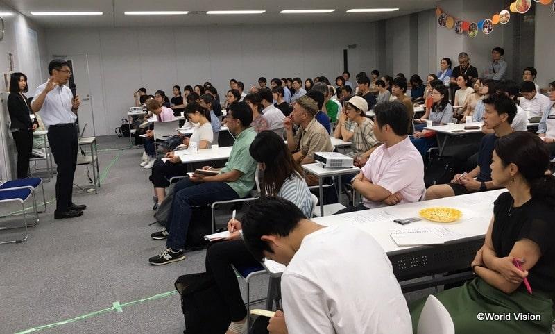 事業の評価を行ってくださった上智大学の小松太郎教授