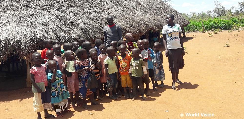 ウガンダ、ロバランギット・カレンガ地域の子どもたち