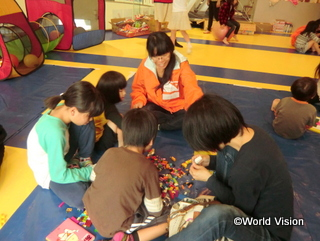 熊本地震では、子どもが安心して遊べるスペースを開設しました