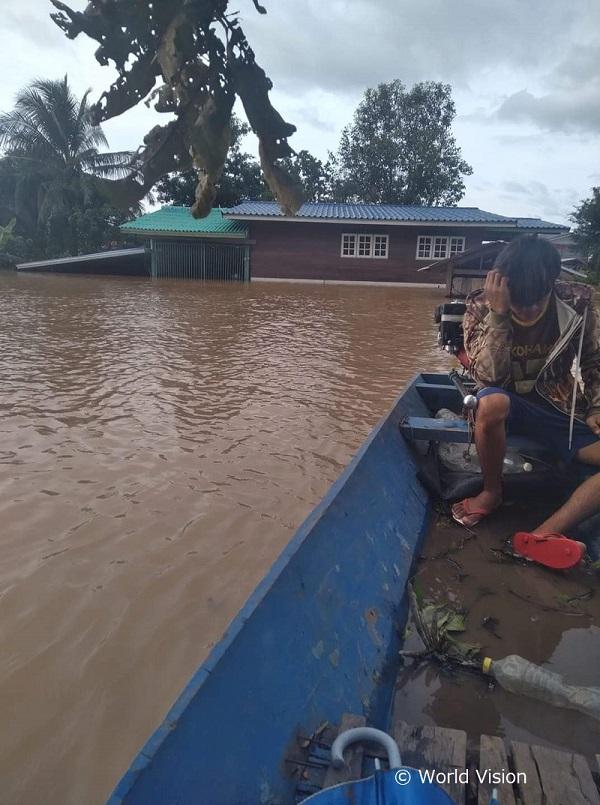 ラオスの洪水被害の様子