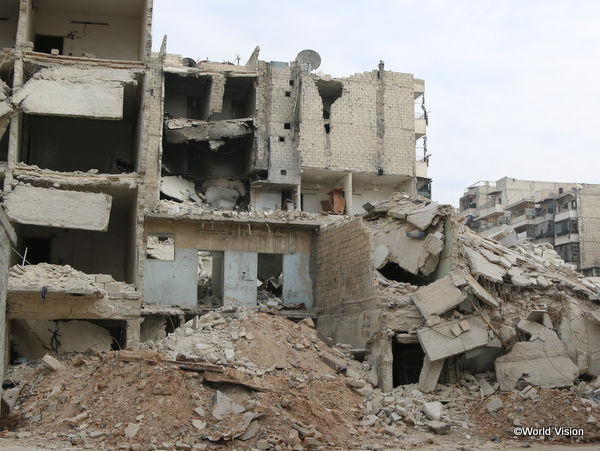 爆撃の凄まじさを物語るシリア アレッポ東部の様子