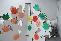 参加者の方の言葉と絵で「命の木」を作りました