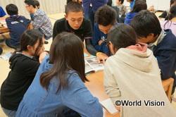 「ぶらんこ」の高校生は、スクラップブックを持って震災時の様子を説明してくれました
