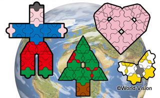 子どもたちは、LaQで「世界の子どもたち」、「ハート」等の作品を作ります