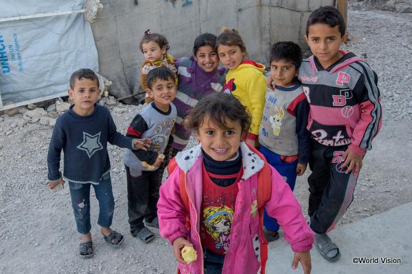 難民キャンプで暮らす子どもたち