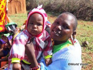 第一期事業で開設した診療所で生まれた赤ちゃんとお母さん
