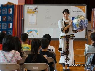 2015年度は、4389人の子どもたちや若者が、グローバル教育のプログラムに参加しました