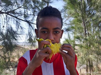 エチオピアの子ども マンゴー