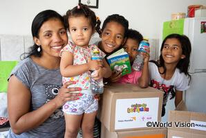 食料支援を受け取った家族(ブラジル)