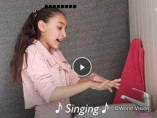 手洗いの歌と動画を作った女の子(ヨルダンのシリア難民キャンプ)