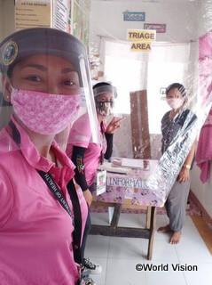 医療従事者として新型コロナウイルス感染症対応にあたるレニーさん