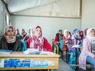 難民キャンプの学校の様子