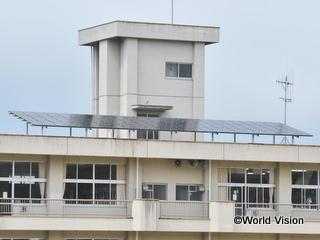 小学校に設置された、太陽光発電システム