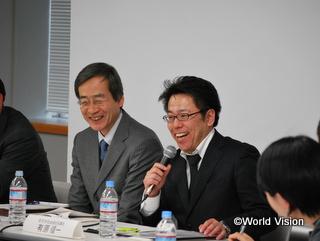 打ち解けてお話くださる、宮古市社会福祉協議会 有原氏(右)と、WVJ事務局長 片山(左)