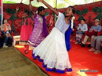 チャイルドたちによる歓迎ダンス