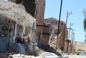 紛争で破壊され修復の目途がたっていない家屋