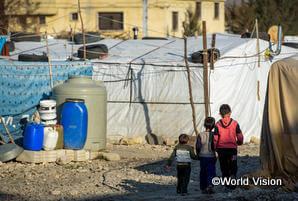 難民となって暮らす子どもたち