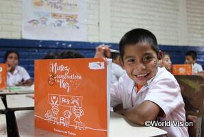 子どもたちにとって教育を受けることは大切な権利の1つです。ワールド・ビジョンは子どもたちの就学やライフスキルとなる職業訓練の支援を行っています