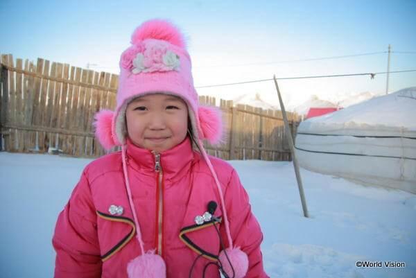 モンゴルの12月はとても寒いですが、コンゴズルちゃんは寒さに負けずにお祝いをします